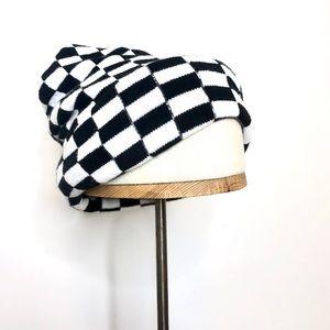 ✨Urban Outfitters Checkered Beanie